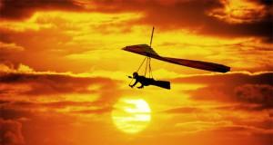 Дельтапланеризм представляет собой тип технического спорта с применением дельтапланов (легких планеров), где взлет и посадка производится за счет силы ног пилота. Свое название дельтапланы получили от буквы греческого алфавита «дельта», на которую были похожи первые модели дельтапланов.